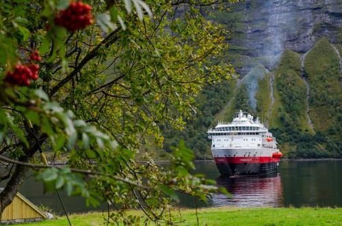 hjorundfjorden_51_simen_fangel.jpg